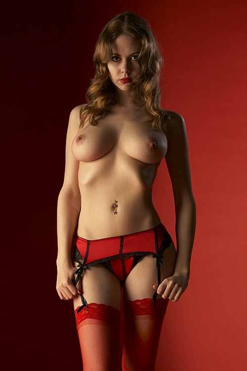 livvy__in_red_on_red__by_flash750