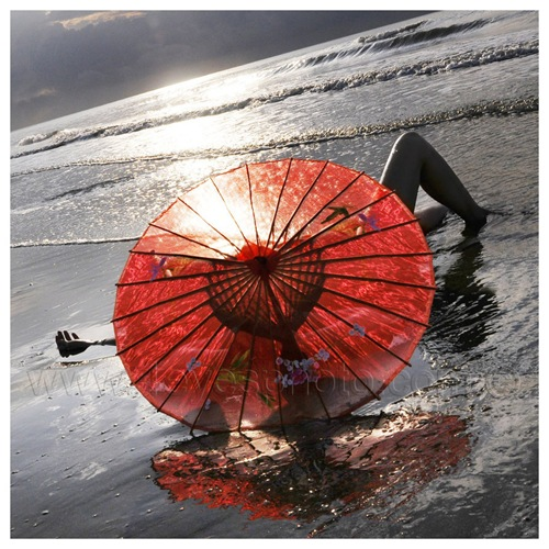 the_red_parasol_by_foureyes