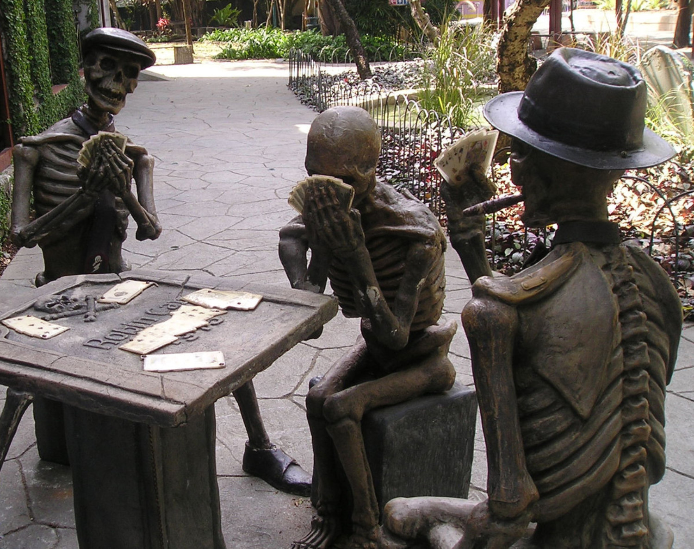 сожалению, лени странные скульптуры фото интерьер выглядел